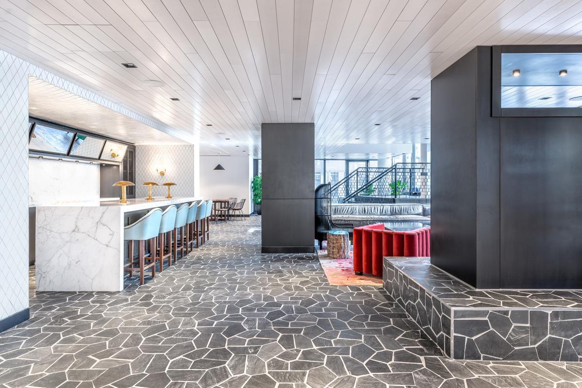 Lounge on 10th floor